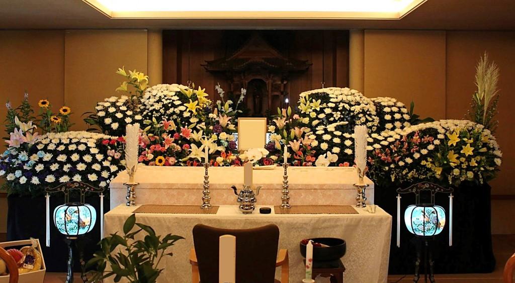 心泉の家族葬・花追加