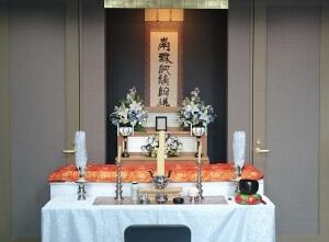 セレモニーホール心泉使用_基本プラン祭壇