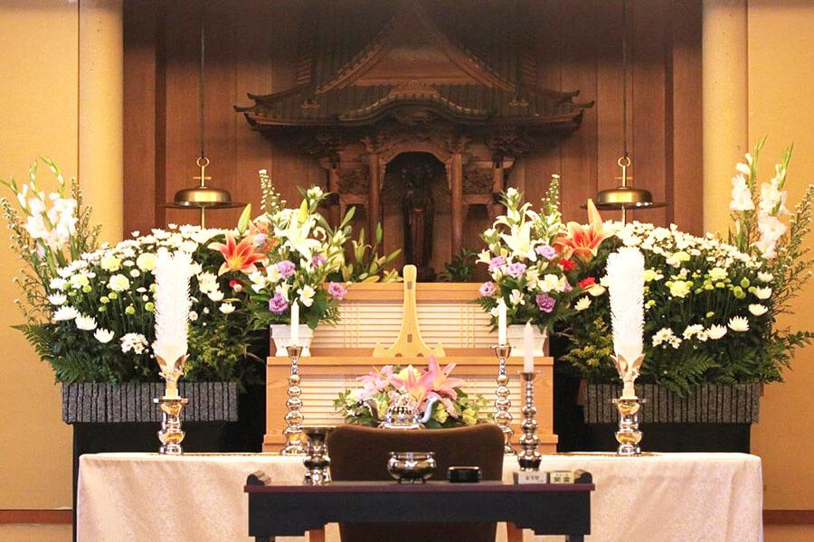 法句寺・本堂使用 家族葬・花プランイメージ